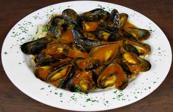 Mussels Fettucine Red